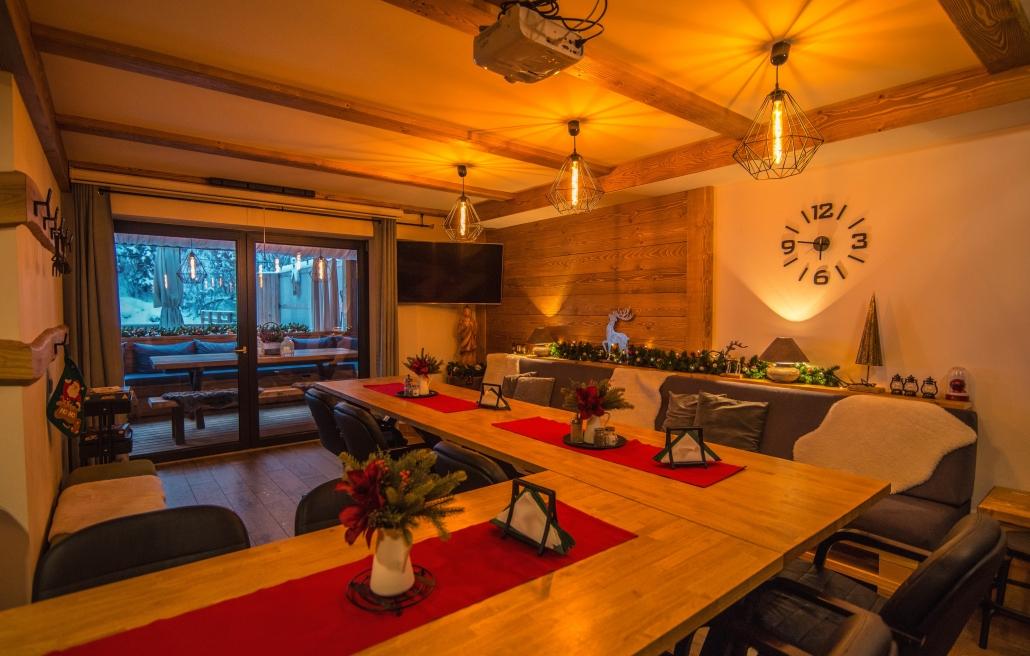 Chata Pri Potoku – spoločenská miestnosť